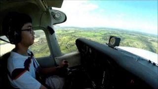 14-year-old Pilot Landing Cessna 172 with Crosswind
