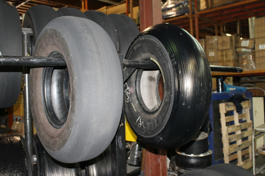 Cessna Flyer Association - CFA learns about tires and