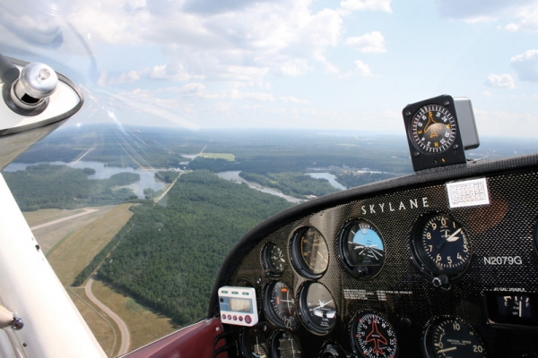 Flying the CESSNA 182