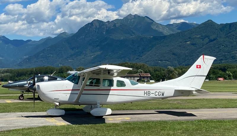 Cessna206.JPG