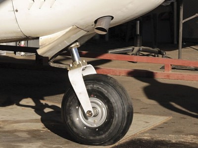 """Creating a """"Mountain Goat"""" 182, Step One: Off-airport Landing Gear"""