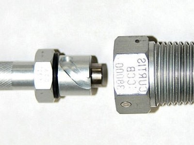 Curtis Superior Valve Co. Offers Aluminum Oil Quick Drain Valve for Lycoming Engine